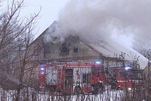 Jedno mieszkanie spłonęło, na szczęście nikt nie zginął