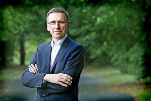 Piotr Grzymowicz buntuje się przeciwko rządowemu programowi. Dlaczego?