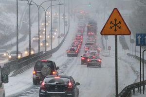 Olsztyn: w nocy może spaść nawet do 6cm śniegu