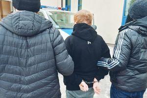 Poszukiwany 4 listami gończymi i zarządzeniem prokuratorskim zatrzymany przez szczycieńskich policjantów