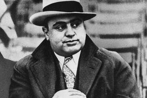 Capone składa życzenia - Masakra w Dniu Świętego Walentego