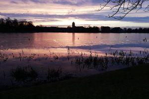 Prenumerata za zdjęcie. Jezioro Domowe Małe o zmroku