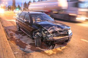 Na ul. Bałtyckiej zderzyły się dwa samochody