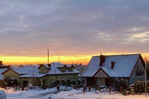 Kurier za zdjęcie: poranek w Mrągowie