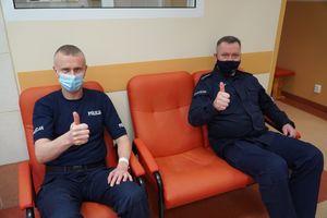 Olsztyńscy policjanci oddali osocze, by pomóc chorym na COVID-19