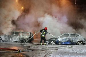 Pożar samochodów na olsztyńskich Jarotach