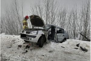 Wypadek w Zatykach. Ranni kierowcy