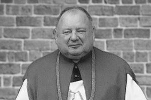 Zmarł ks. kanonik Mirosław Owczarek. Pogrzeb duchownego odbędzie się w czwartek w Rybnie