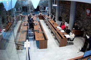 Sesja: Radni zwolnili przedsiębiorców z opłat za sprzedaż alkoholu