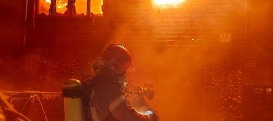 Gorąca noc mrągowskich strażaków [GALERIA]