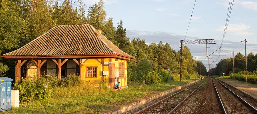 Budynek dworca na stacji kolejowej Ełk Szyba Wschód
