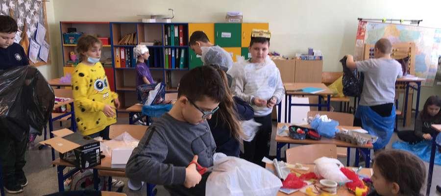 """Międzynarodowy projekt edukacyjny  """"CZYTAM Z KLASĄ LEKTURKI SPOD CHMURKI""""  realizowany w Galinach"""