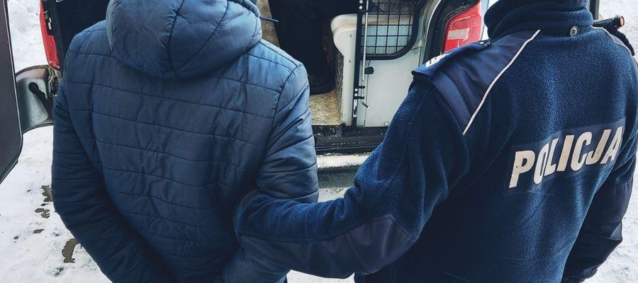 78-latek zderzył się z szynobusem. 40-letni pasażer pociągu okazał się poszukiwany