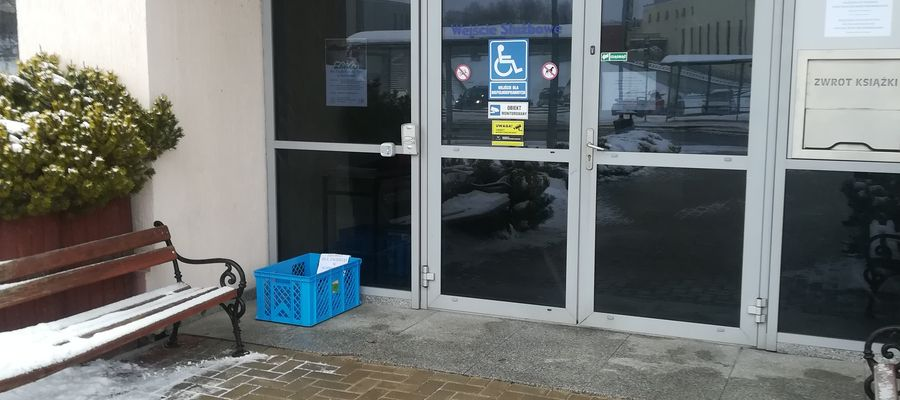 """Zbiórka dla na rzecz """"Przytuliska dla Psów"""" w Jezioranach przy bibliotece UWM"""