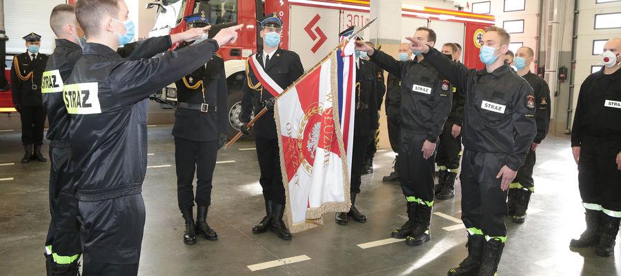 Ślubowanie w straży pożarnej w Olsztynie