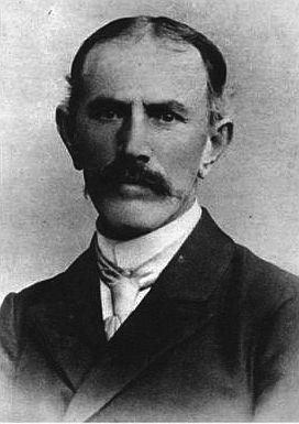 """Andrzej Samulowski z Gietrzwałdu (1840-1928), poeta ludowy, działacz ludowy, nauczyciel, założył w 1878 r. pierwszą polską księgarnię na Warmii. W 1886 r. był jednym z trzech założycieli """"Gazety Olsztyńskiej"""""""