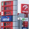 Słaba złotówka i wysoka marża windują cenę benzyny