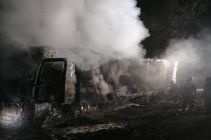 Spłonął samochód ciężarowy i harwester