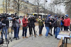 Hotelarze z Warmii i Mazur rozpoczęli protest przed kancelarią prezesa Rady Ministrów [AKTUALIZACJA]
