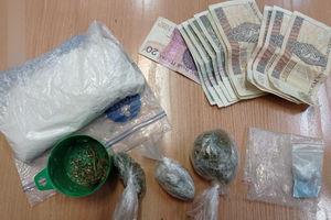 Policjanci zatrzymali dwóch mężczyzn z narkotykami