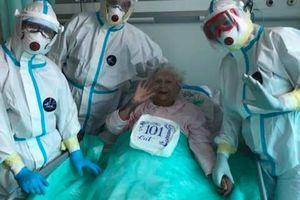 101-latka świętuje urodziny na oddziale covidowym!
