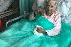 101-latka opuszcza szpital covidowy