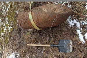 Szukali zabytków, znaleźli... bomby lotnicze