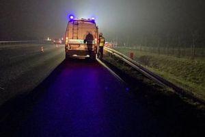 Zderzenie dwóch samochodów na skrzyżowaniu w Sampławie