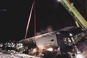 Wypadek z udziałem cysterny przewożącej blisko 20 tys. kg propan – butanu