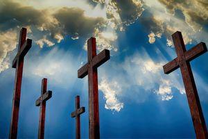 Krzyże płonęły w Wielką Sobotę