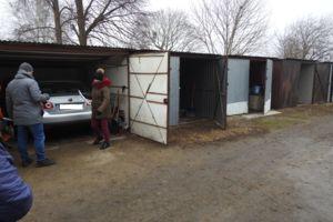 Włamanie do garaży na ul. Kraszewskiego. Trwa akcja policji