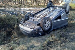 Pijany kierowca doprowadził do zderzenia dwóch samochodów [ZDJĘCIA]