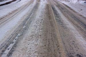 Uwaga kierowcy! Oblodzenie i opady śniegu