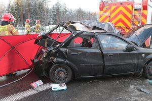 W okolicach Stawigudy kobieta uderzyła w wóz strażacki. Nie żyje