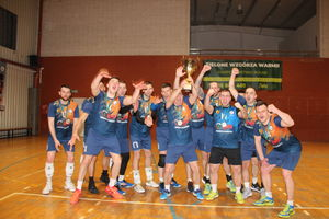 Team Cresovia Górowo Iławeckie z pucharem