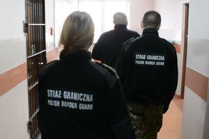 Chciał zwiedzić Rosję, ale na widok funkcjonariuszy zaczął uciekać [VIDEO]