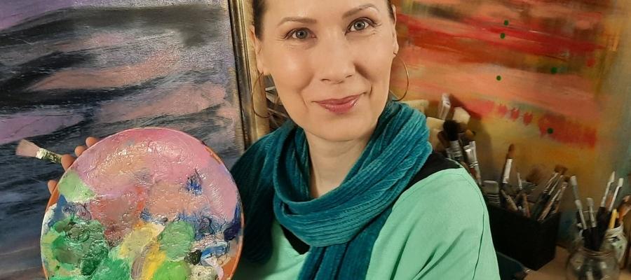 Joanna Sierzputowska: Jej obrazy to raczej magia życia, albo myśl, która się materializuje