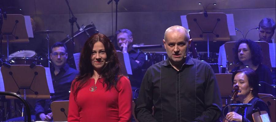 Izabela Kościesza i Jarosław Kordaczuk z olsztyńskiej Wytwórni Dźwięków Sonokinetycznych podczas koncertu w Szczecinie