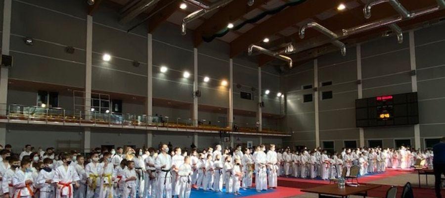 Sześć medali lidzbarskich karateków