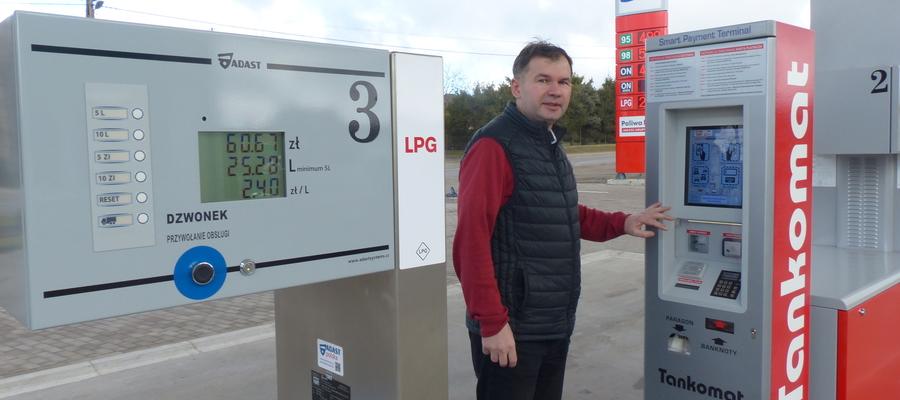 Właściciel Krzysztof Sadowski zaprasza do korzystania z nowej stacji benzynowej w Wikielcu