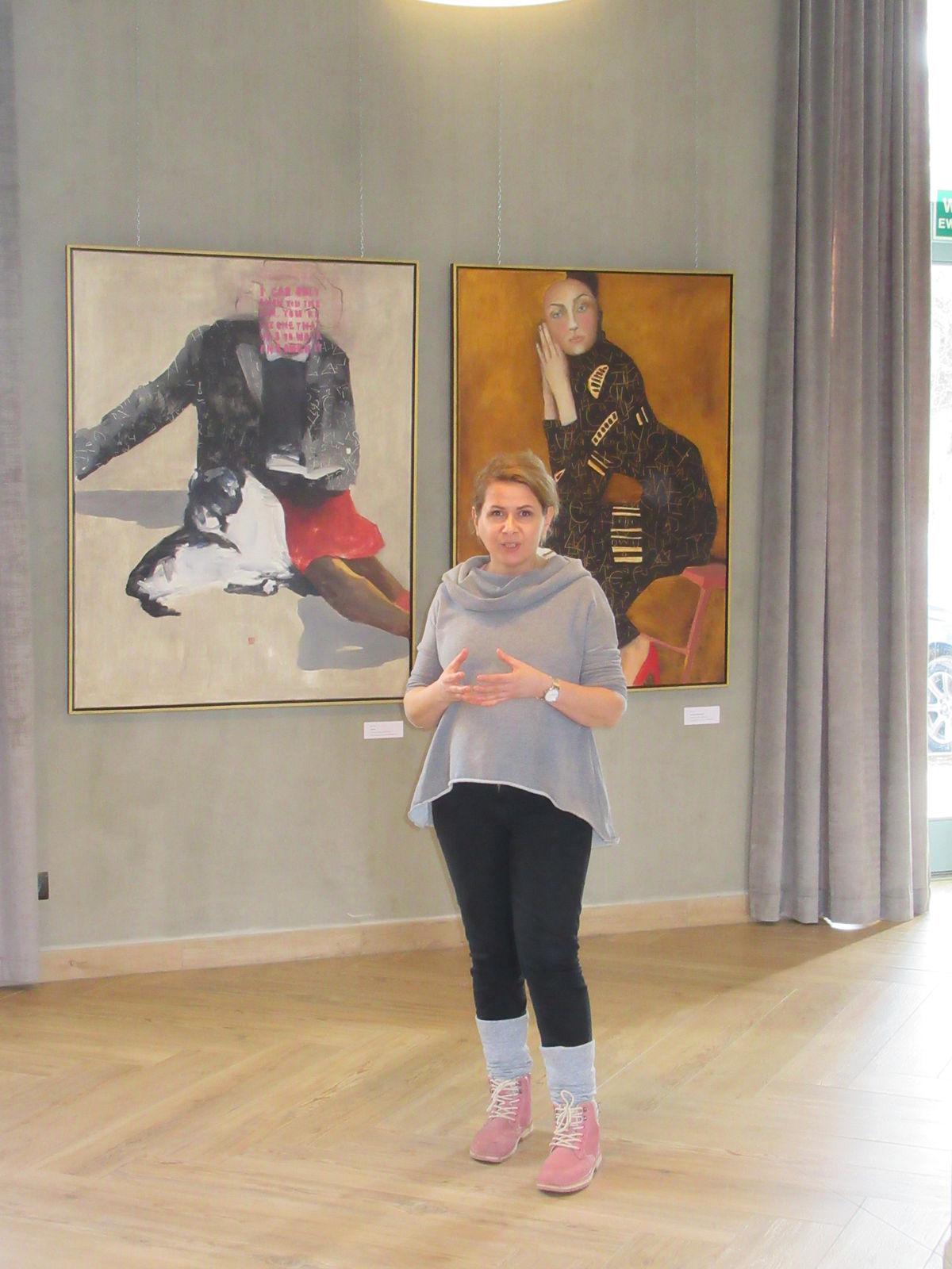 Artystka, a za nią Sophie i Zuzanna z Bubulkiem