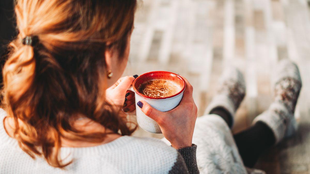 Jak picie kawy pomaga lub szkodzi zdrowiu? - full image