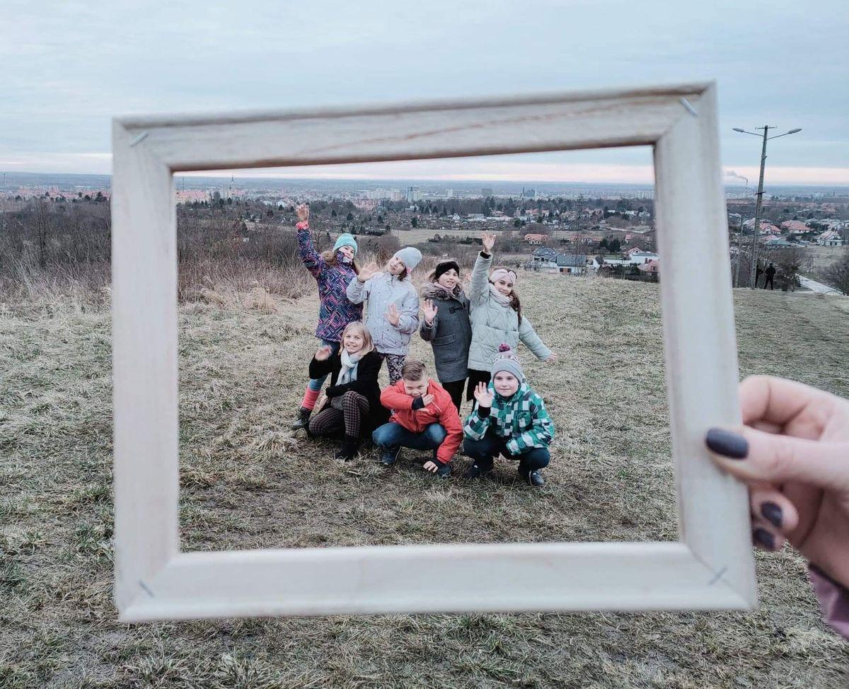 W roli aktorów wystąpili uczniowie — Amelka, Zuzia, Vadim, Olaf, Maja, Basia, Jaś, Amelka i Aleksandra