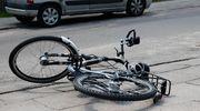 Wypadek: 87-letni rowerzysta wjechał pod autobus