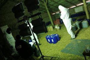 Wytwórnia narkotyków w zakładzie produkującym... nagrobki.