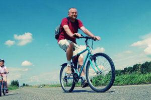 Rowerem po drodze, po chodniku czy po ścieżce rowerowej?