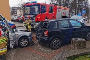 Wypadek na ul. 1 Maja. Jeden z kierowców trafił do szpitala [ZDJĘCIA]