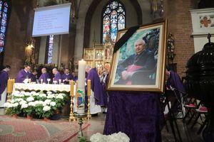 Arcybiskup Wojciech Ziemba spoczął w krypcie w katedrze