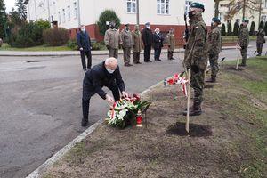 Żołnierze 20BBZ posadzili Dęby Pamięci