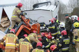 Tragedia na drodze Barczewo-Olsztyn. Dziś nad ranem zmarła kolejna osoba [AKTUALIZACJA]